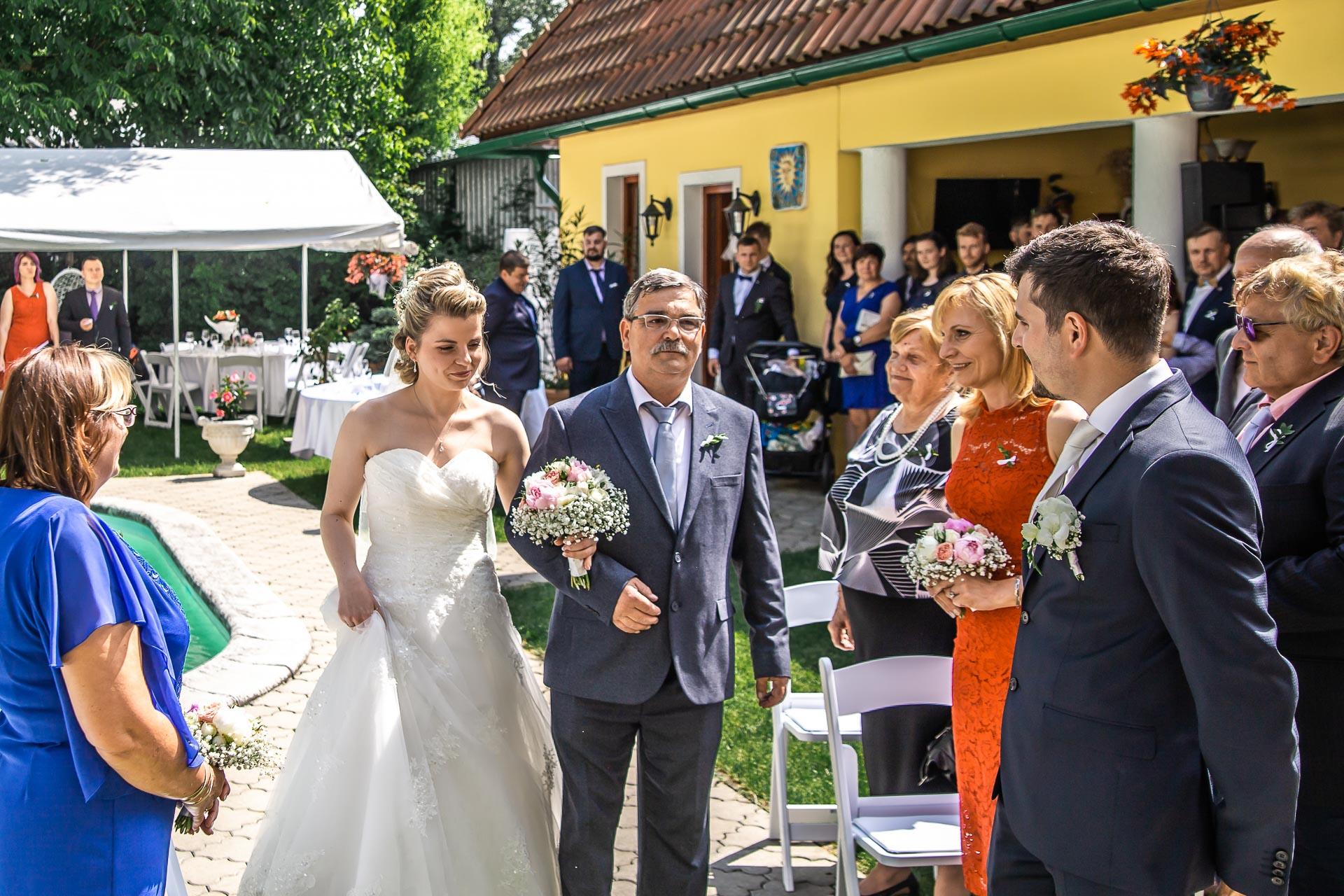 Svatební-fotograf-Nymburk-5252