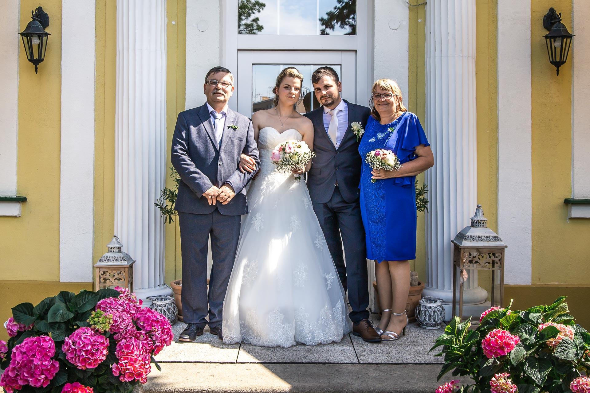 Svatební-fotograf-Nymburk-5657