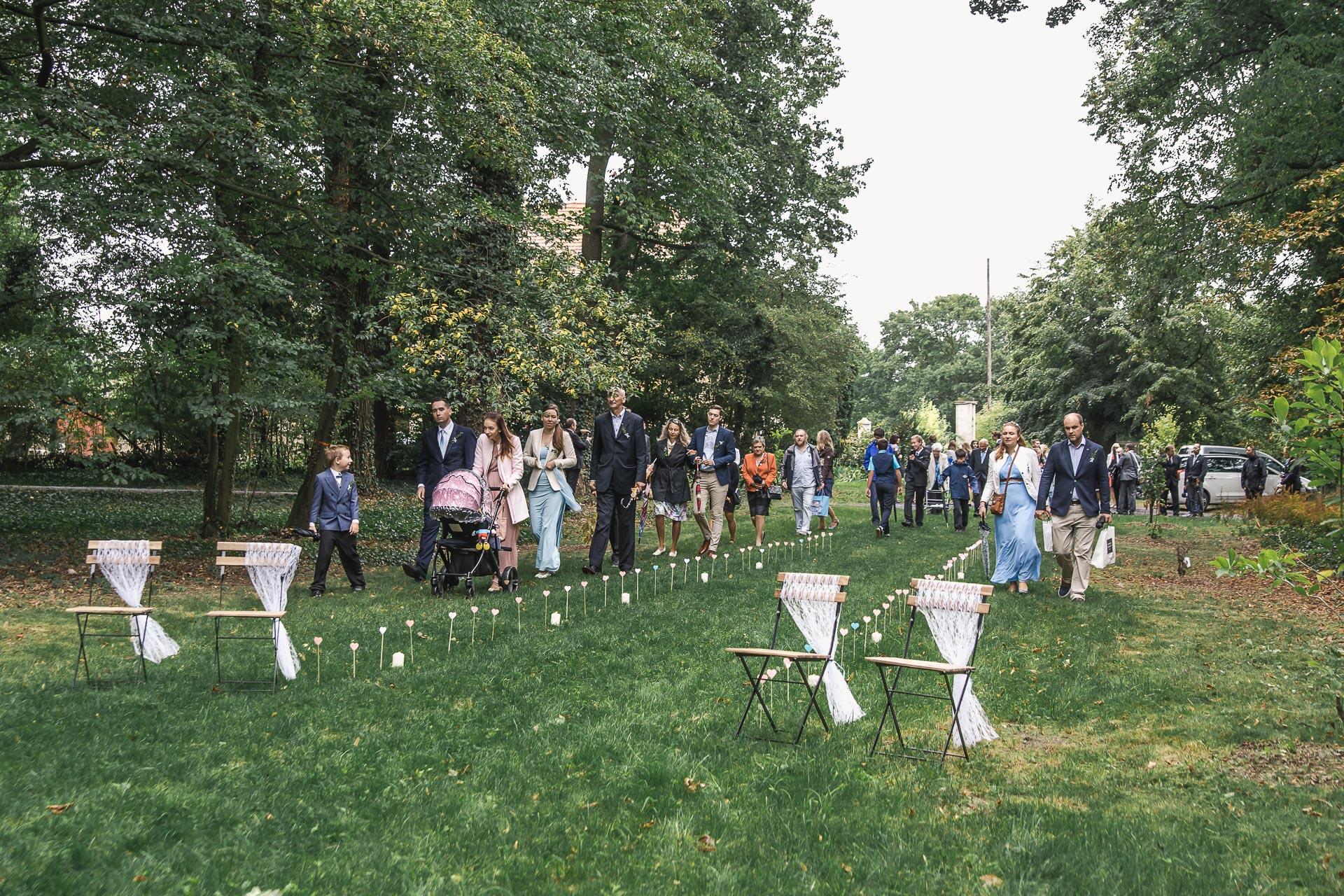 Svatební-fotograf-zámecký-park-Měšice-Svatba-Měšice-u-Prahy-7048