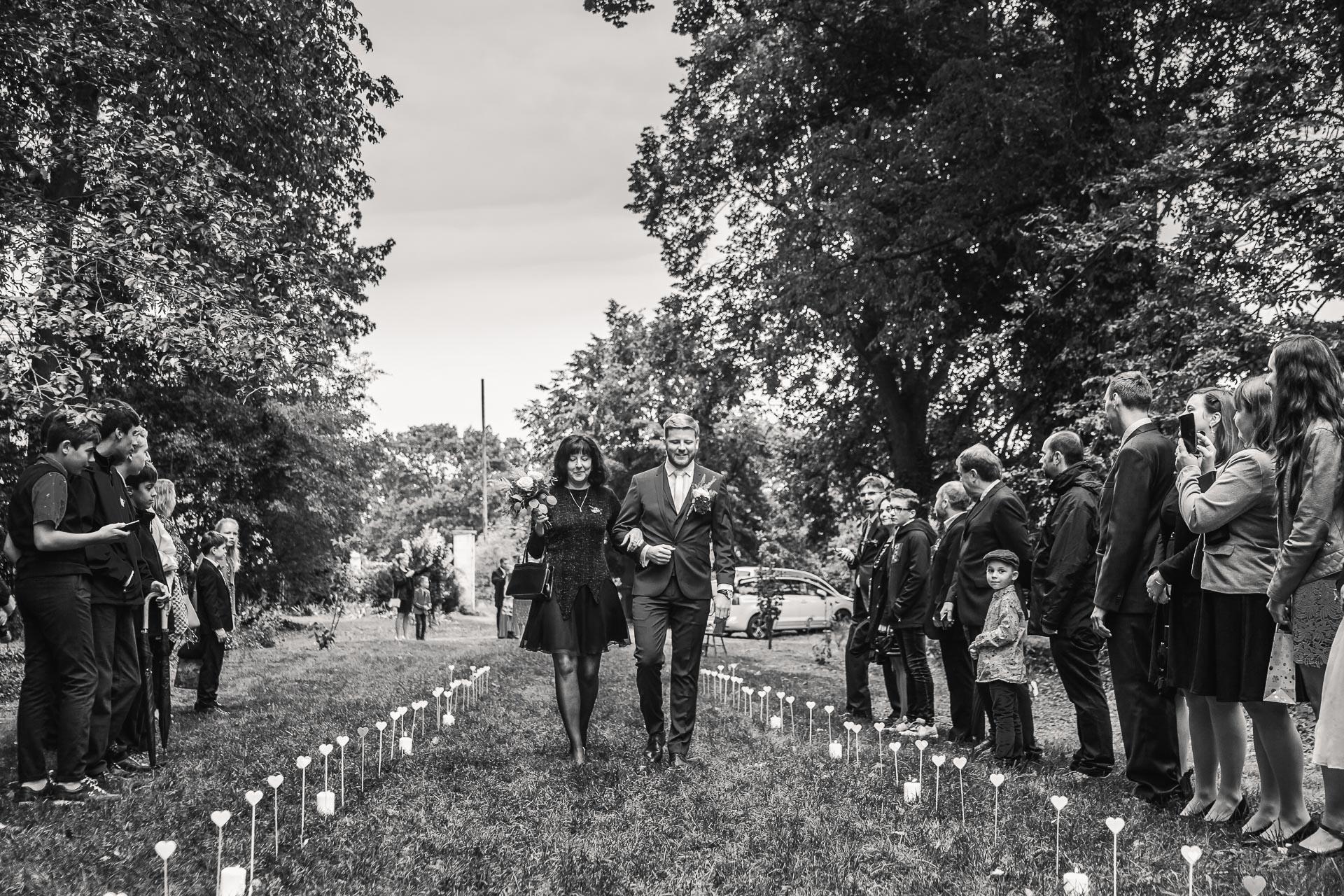 Svatební-fotograf-zámecký-park-Měšice-Svatba-Měšice-u-Prahy-7062