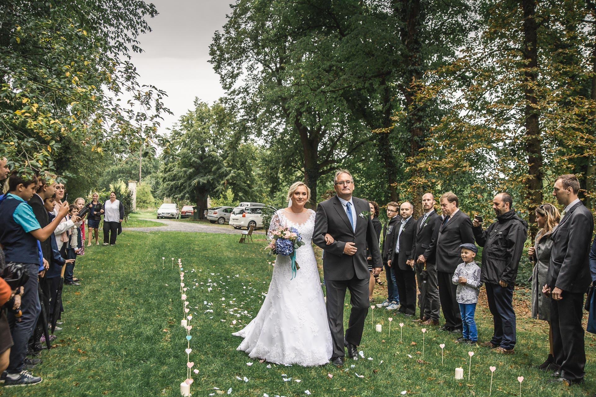 Svatební-fotograf-zámecký-park-Měšice-Svatba-Měšice-u-Prahy-7093
