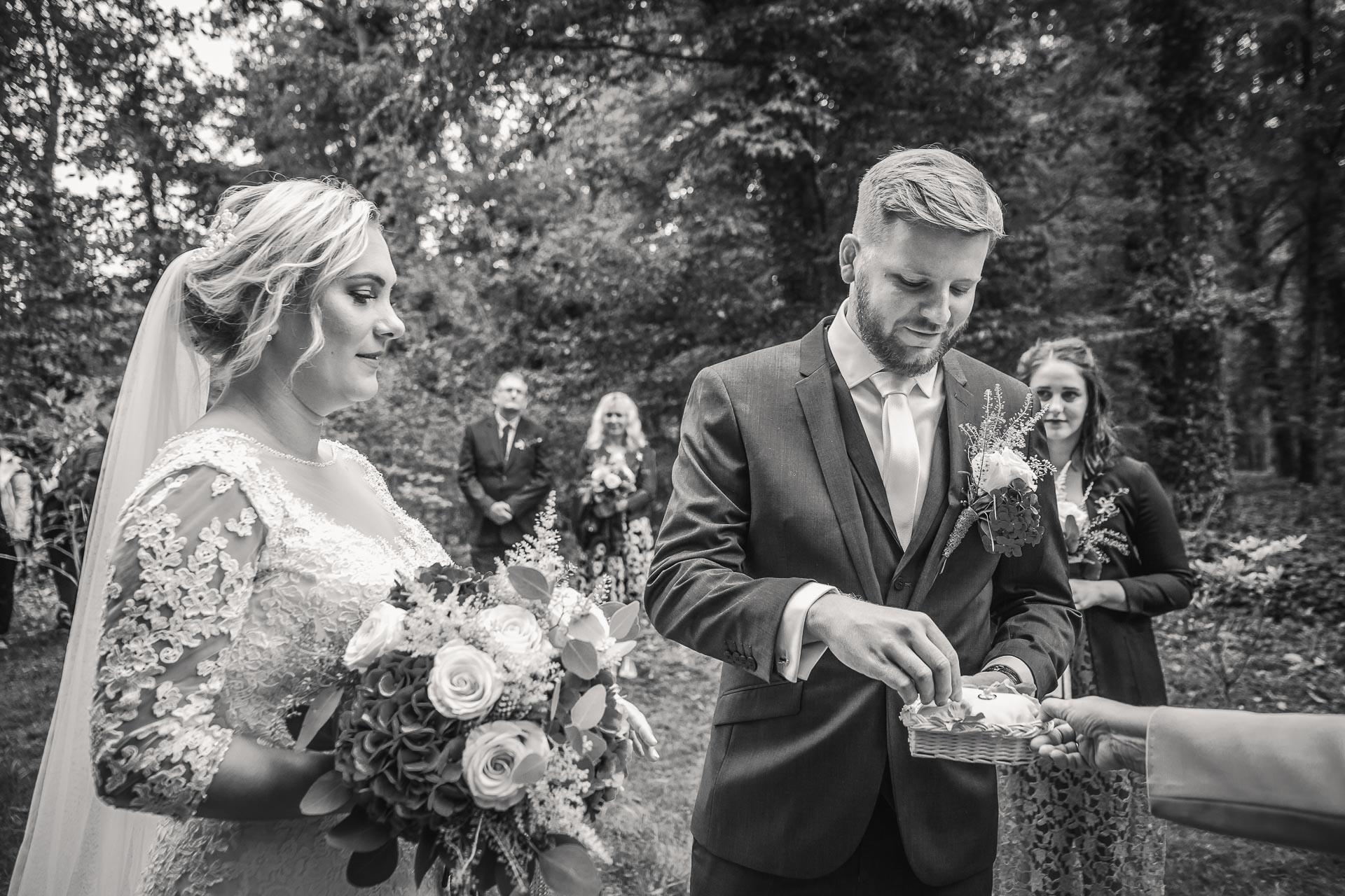 Svatební-fotograf-zámecký-park-Měšice-Svatba-Měšice-u-Prahy-7148