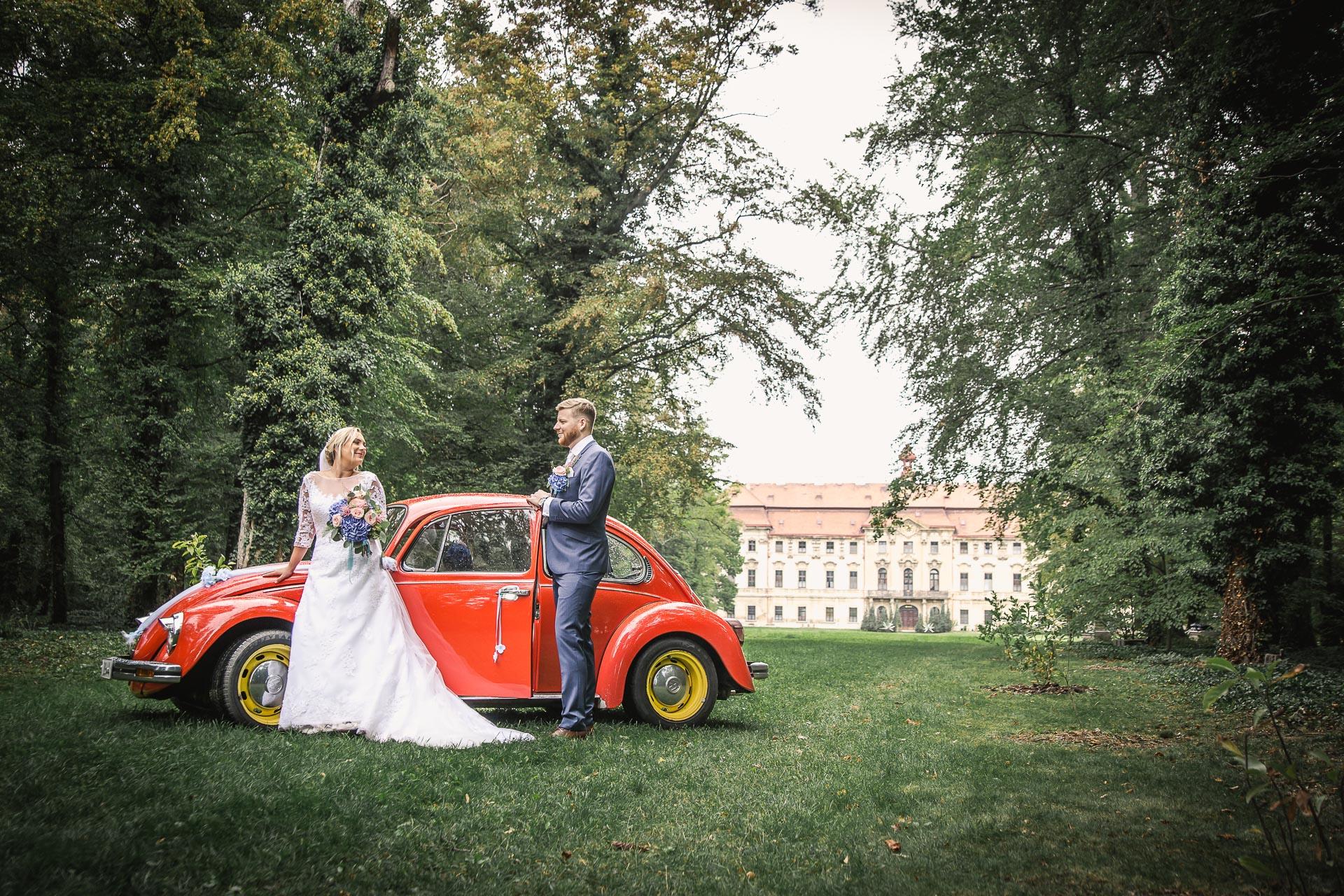 Svatební-fotograf-zámecký-park-Měšice-Svatba-Měšice-u-Prahy-7613