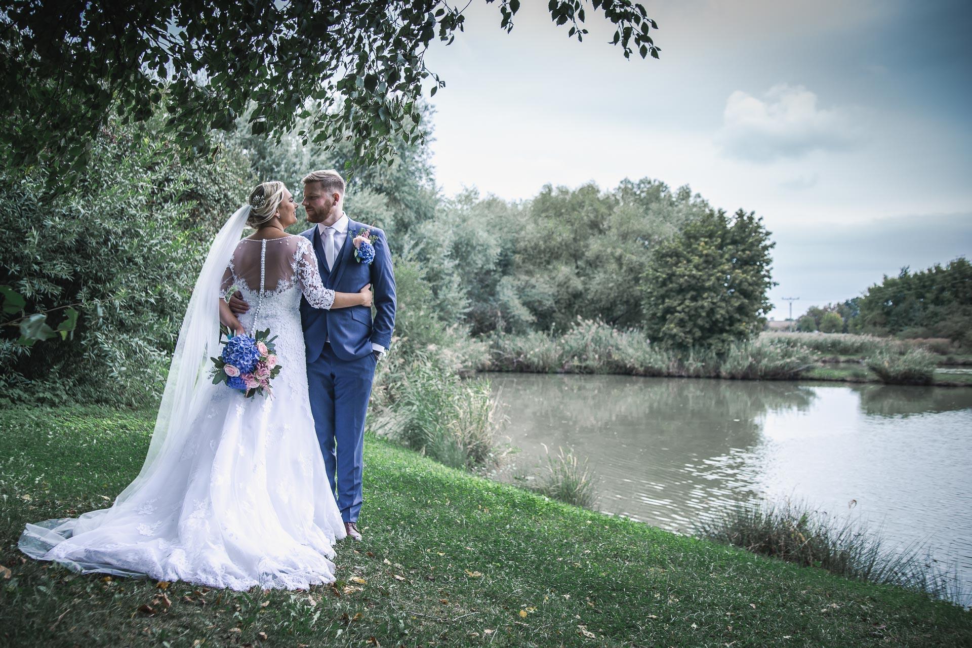 Svatební-fotograf-zámecký-park-Měšice-Svatba-Měšice-u-Prahy-7799