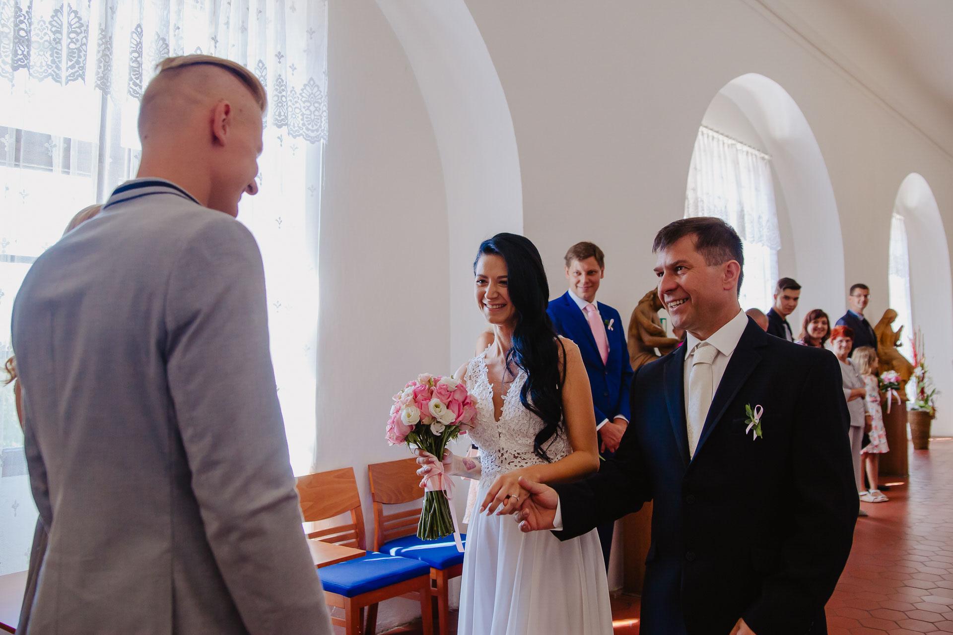 svatební-fotograf-zámek-Benátky-nad-Jizerou-Praha-12