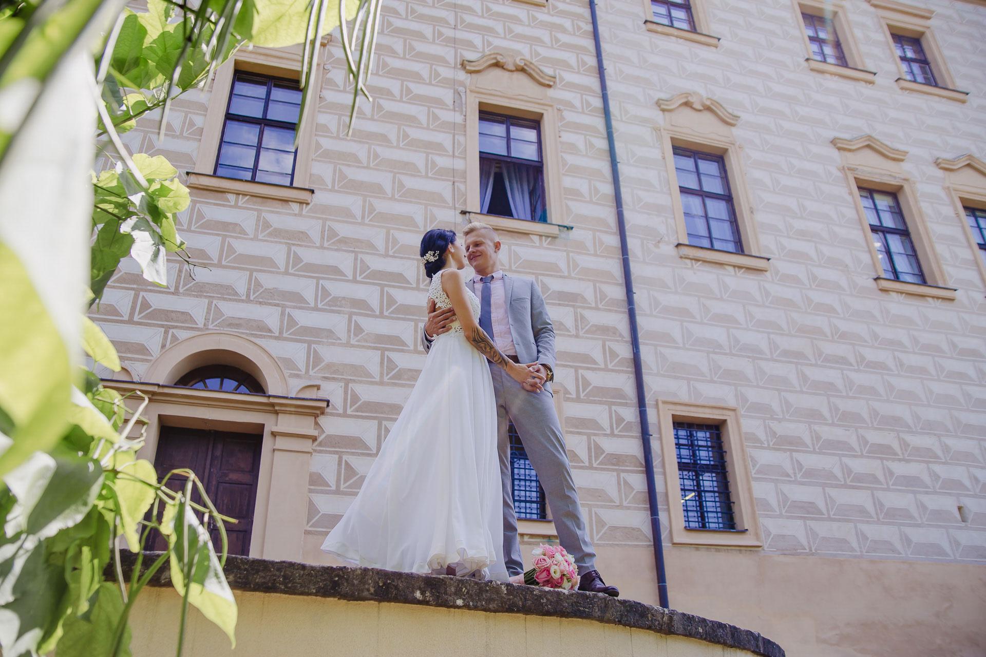 svatební-fotograf-zámek-Benátky-nad-Jizerou-Praha-133