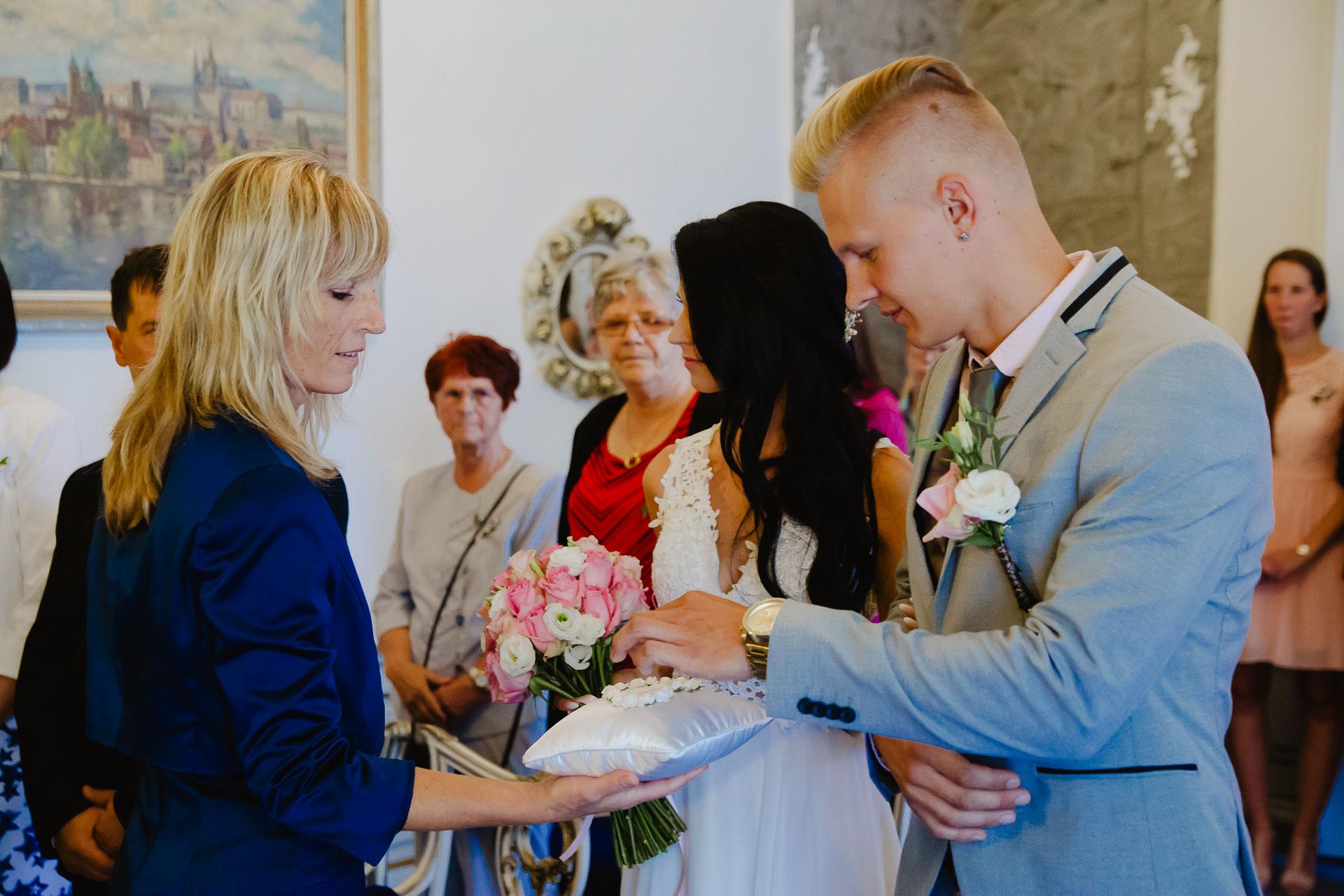 svatební-fotograf-zámek-Benátky-nad-Jizerou-Praha-27