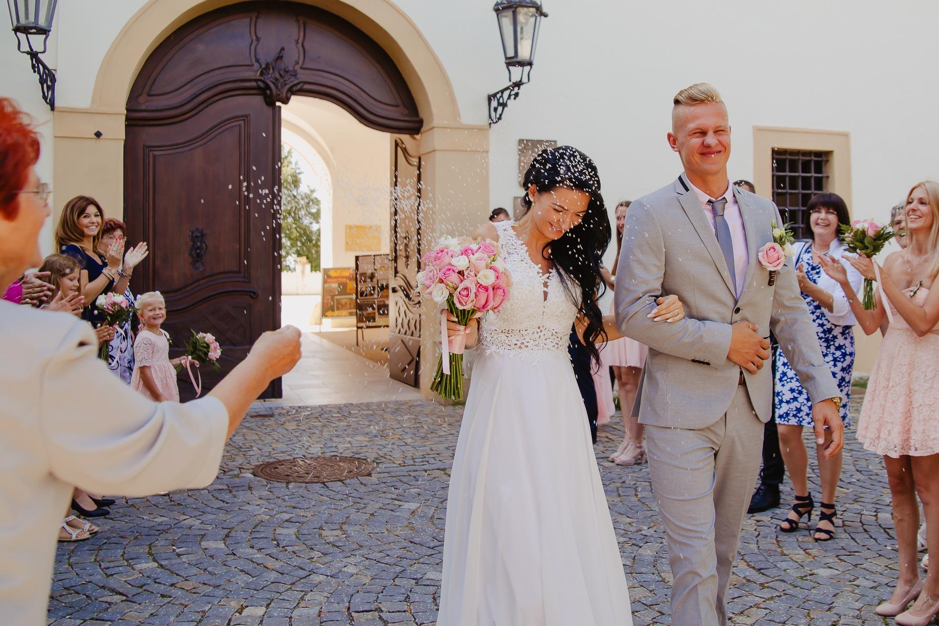 svatební-fotograf-zámek-Benátky-nad-Jizerou-Praha-76