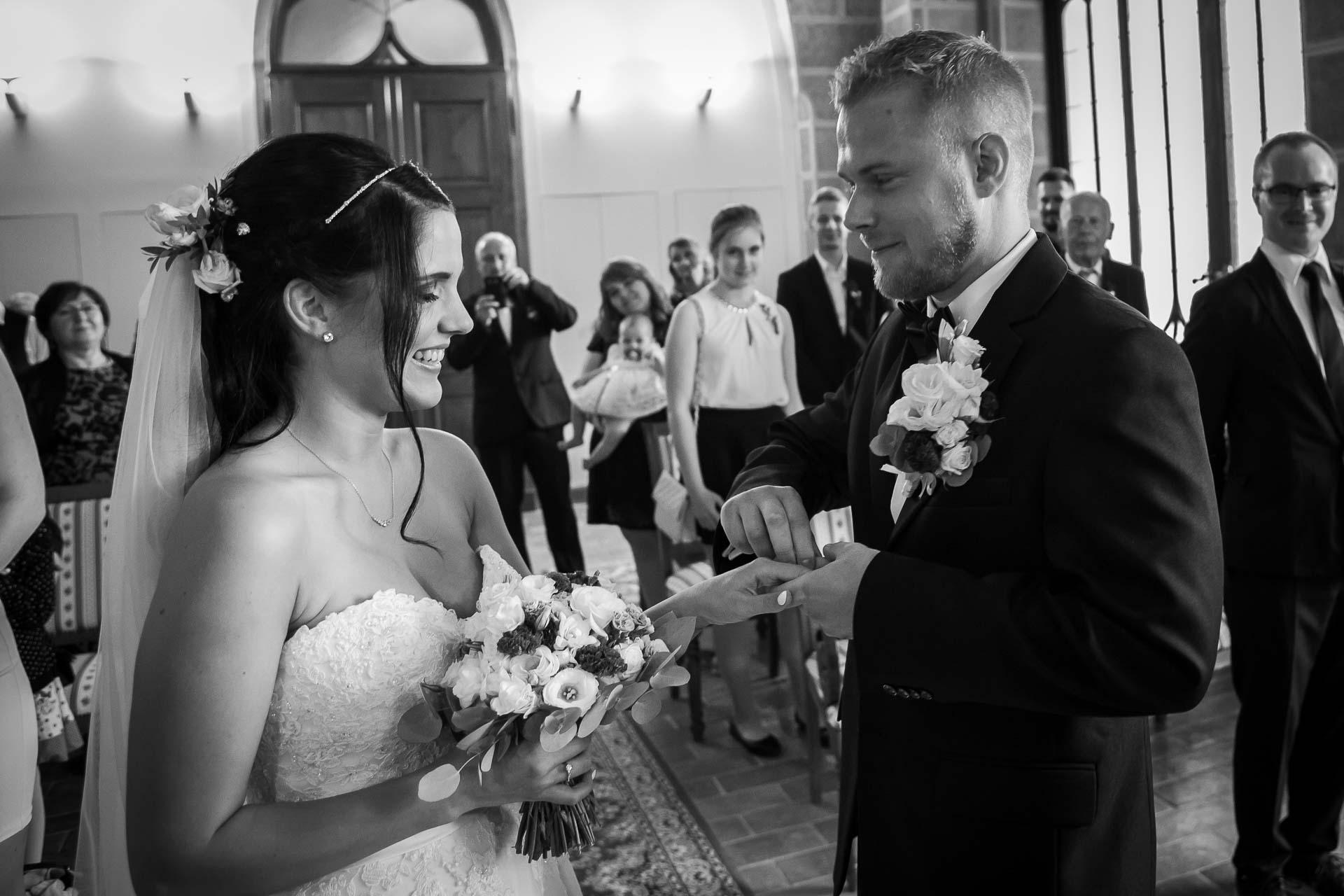 svatební-fotograf-zámek-Hluboká-0211