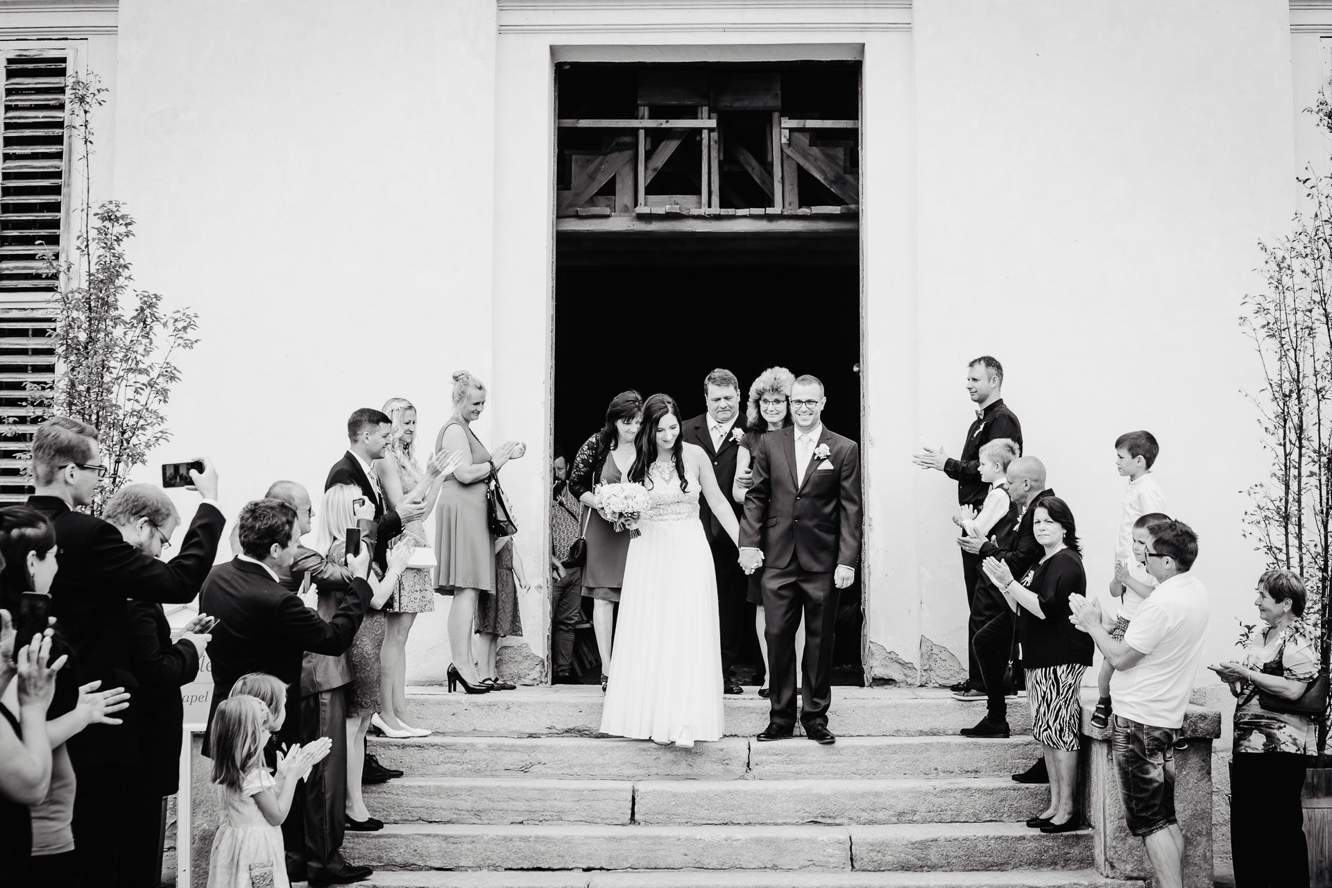 svatební-fotograf-zámek-Kačina-svatebni-fotograf-Kutná-Hora-198