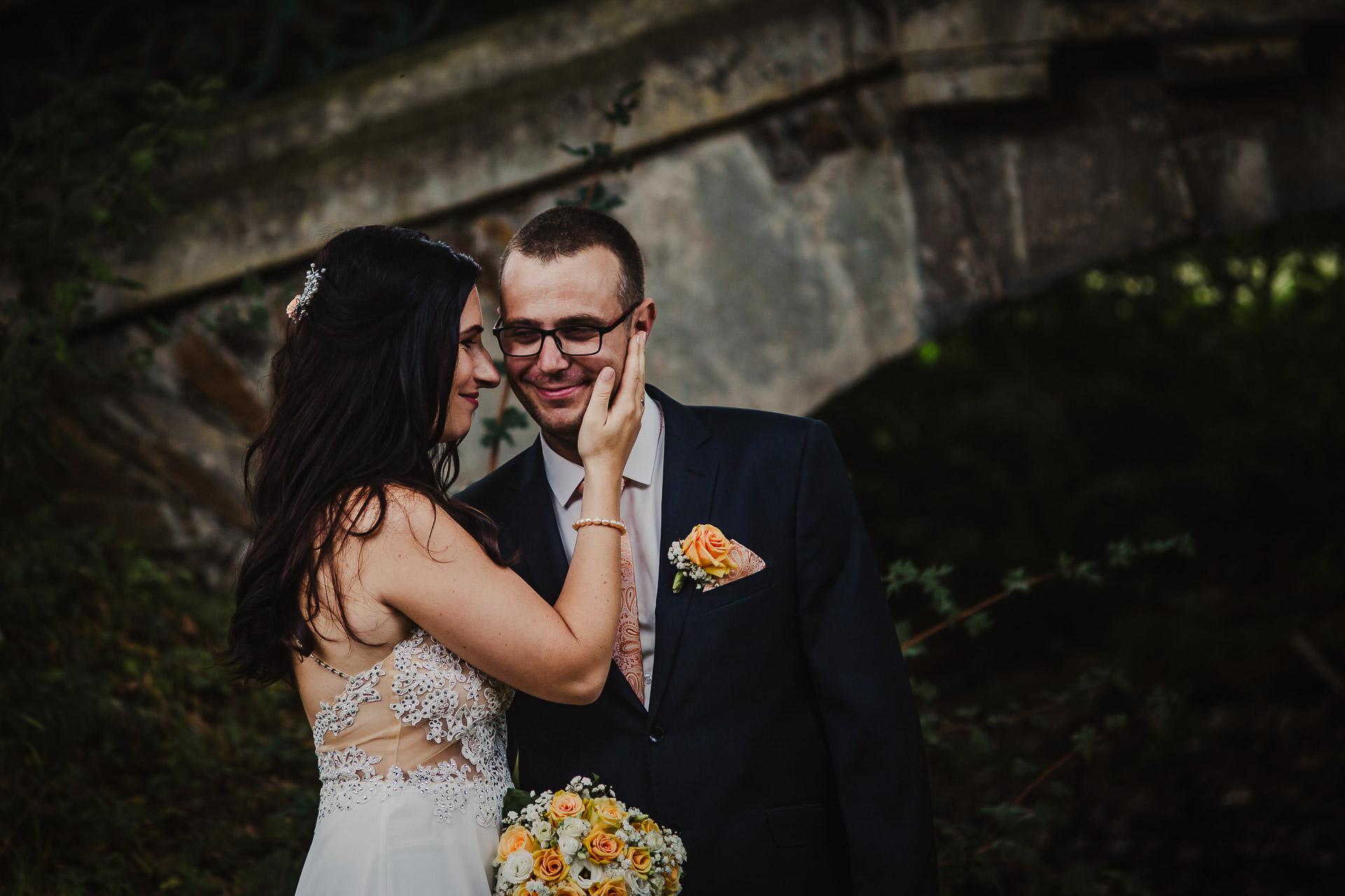 svatební-fotograf-zámek-Kačina-svatebni-fotograf-Kutná-Hora-310