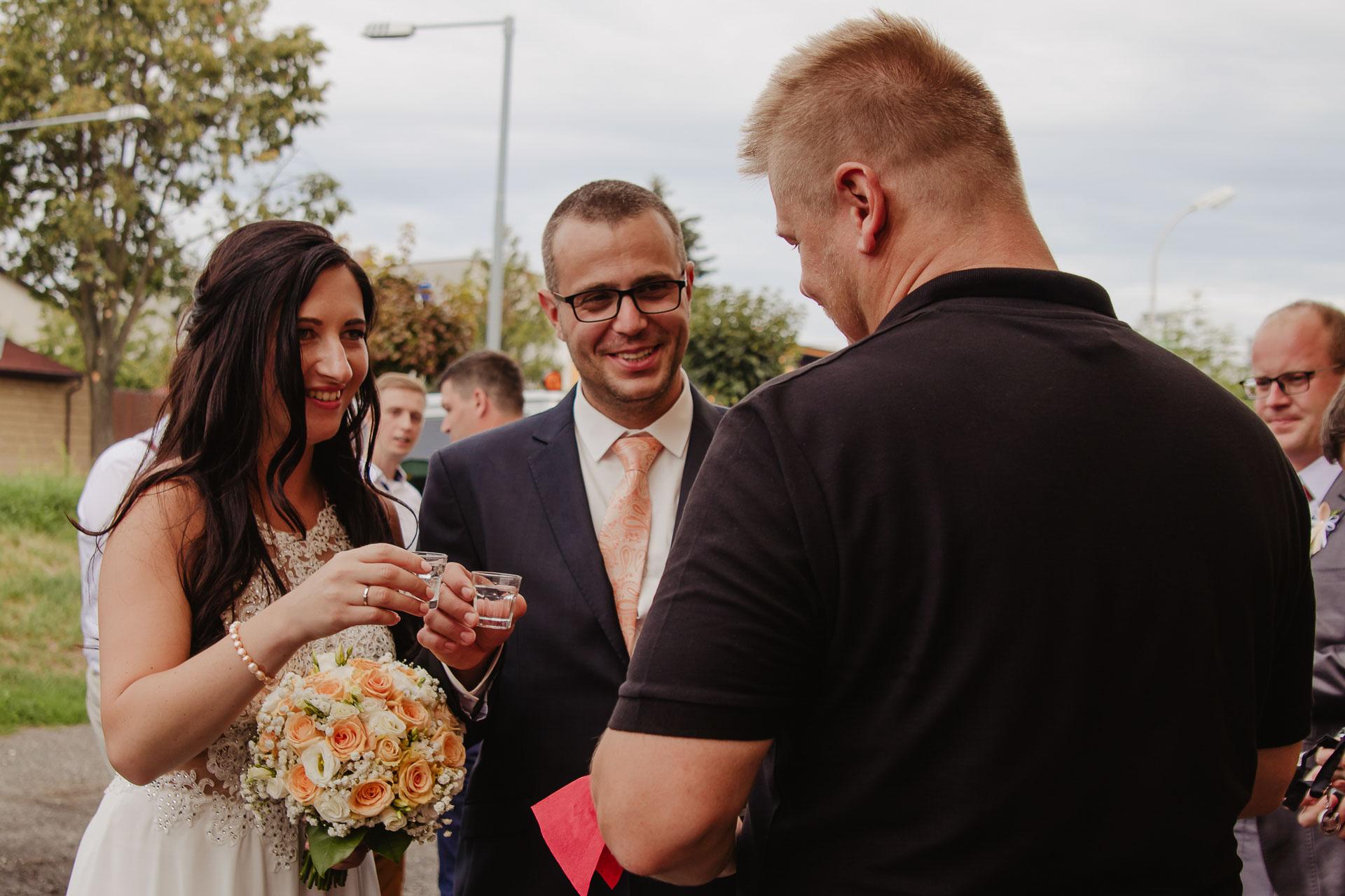 svatební-fotograf-zámek-Kačina-svatebni-fotograf-Kutná-Hora-335