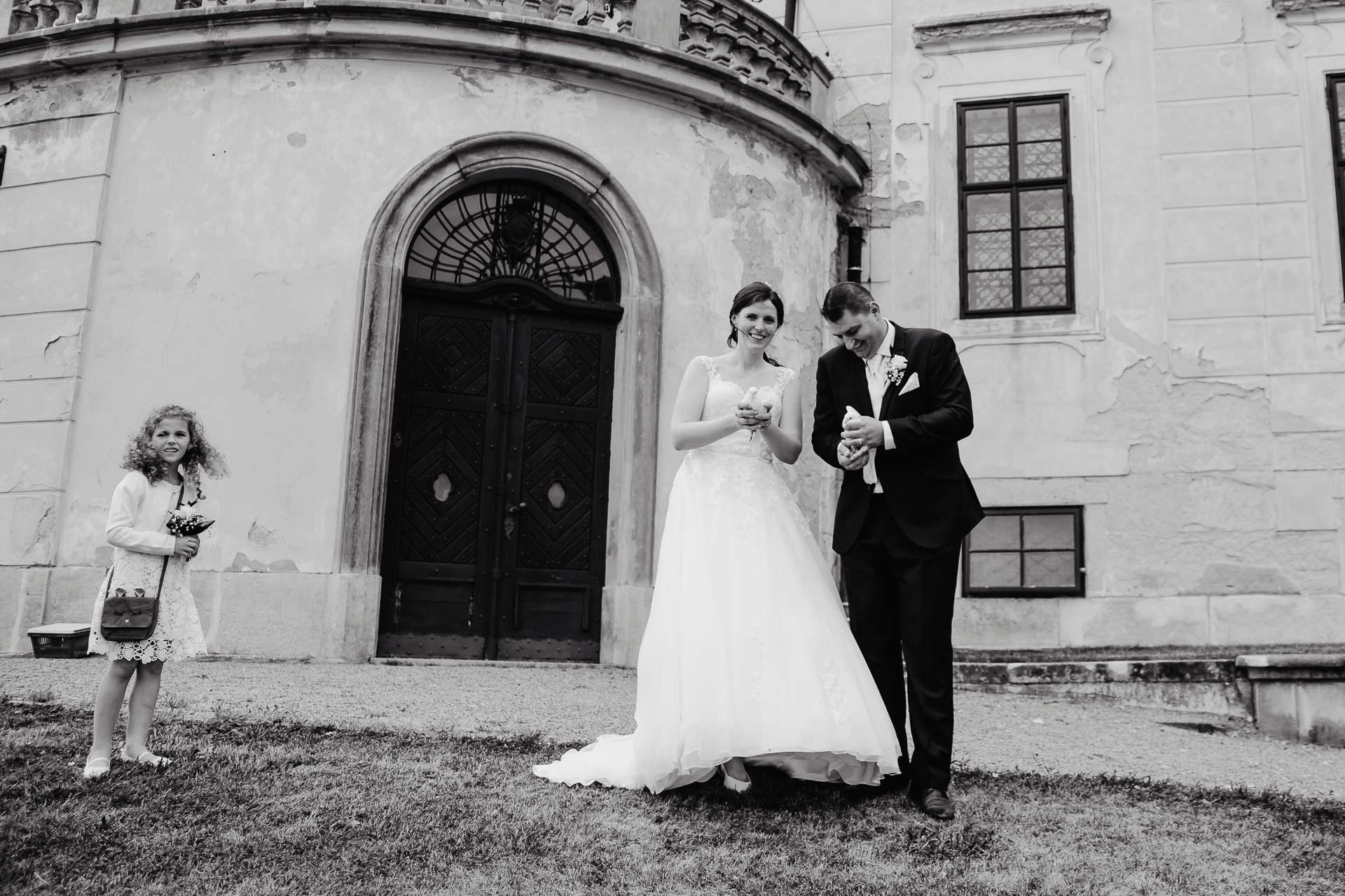 Svatební-fotograf-zámek-Karlova-Koruna-Chlumec-nad-Cidlinou-115