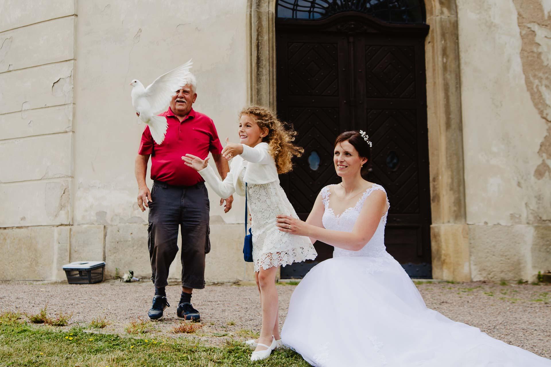 Svatební-fotograf-zámek-Karlova-Koruna-Chlumec-nad-Cidlinou-122