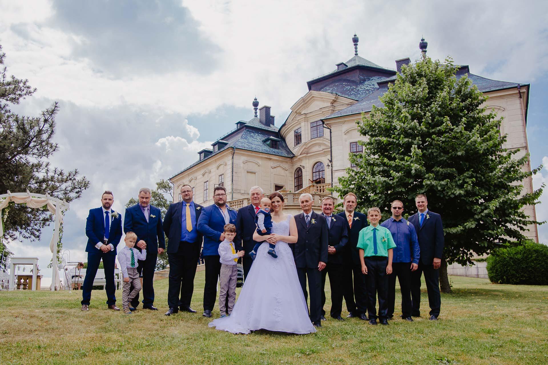 Svatební-fotograf-zámek-Karlova-Koruna-Chlumec-nad-Cidlinou-127