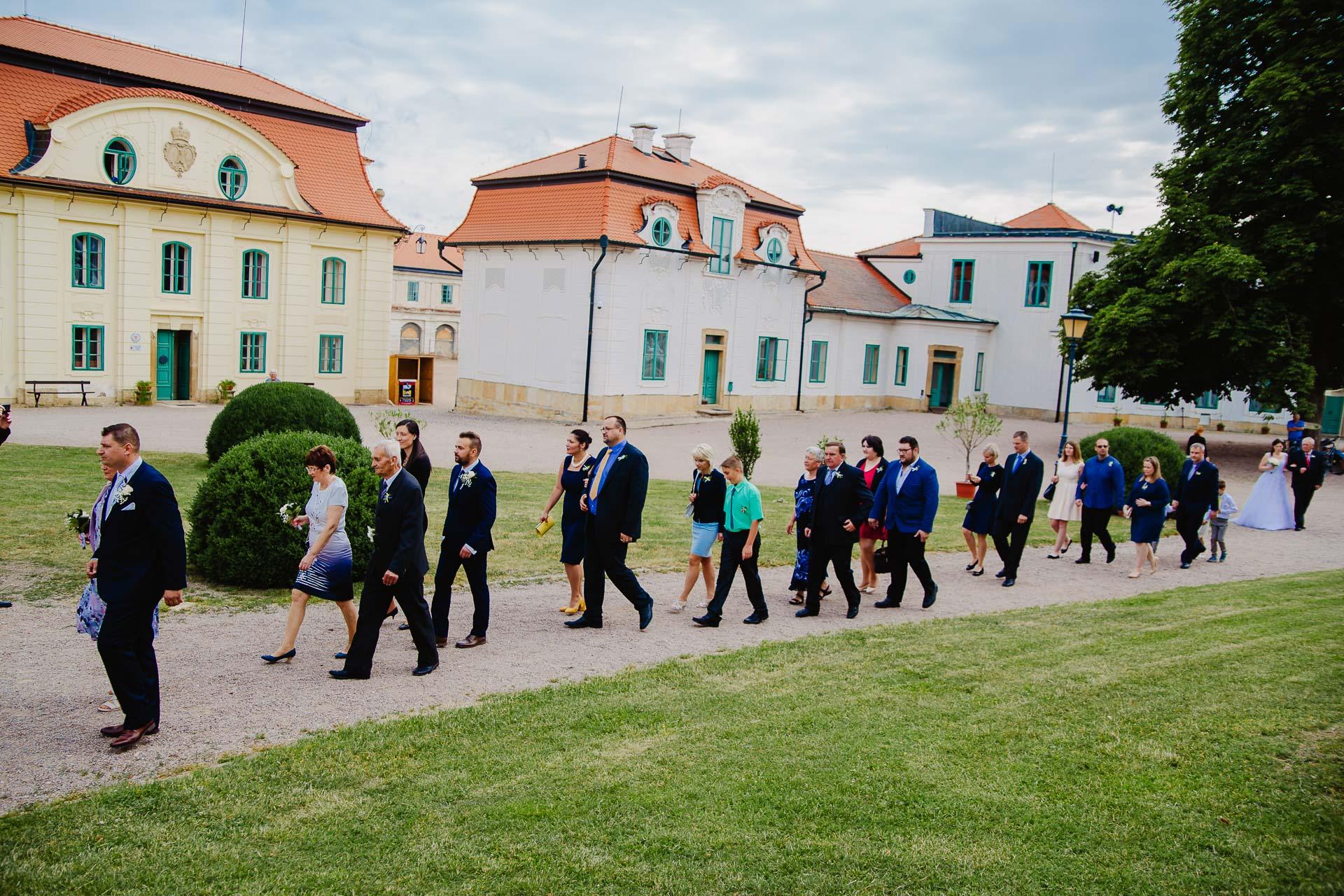 Svatební-fotograf-zámek-Karlova-Koruna-Chlumec-nad-Cidlinou-13
