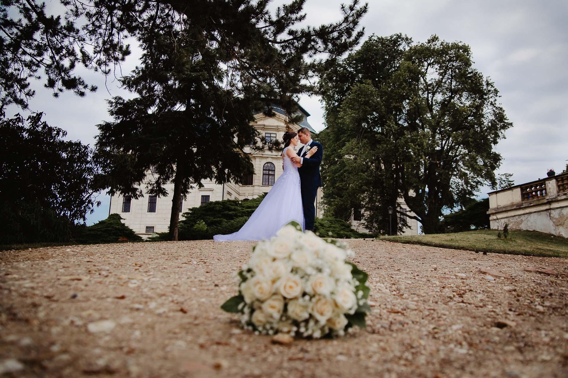 Svatební-fotograf-zámek-Karlova-Koruna-Chlumec-nad-Cidlinou-146