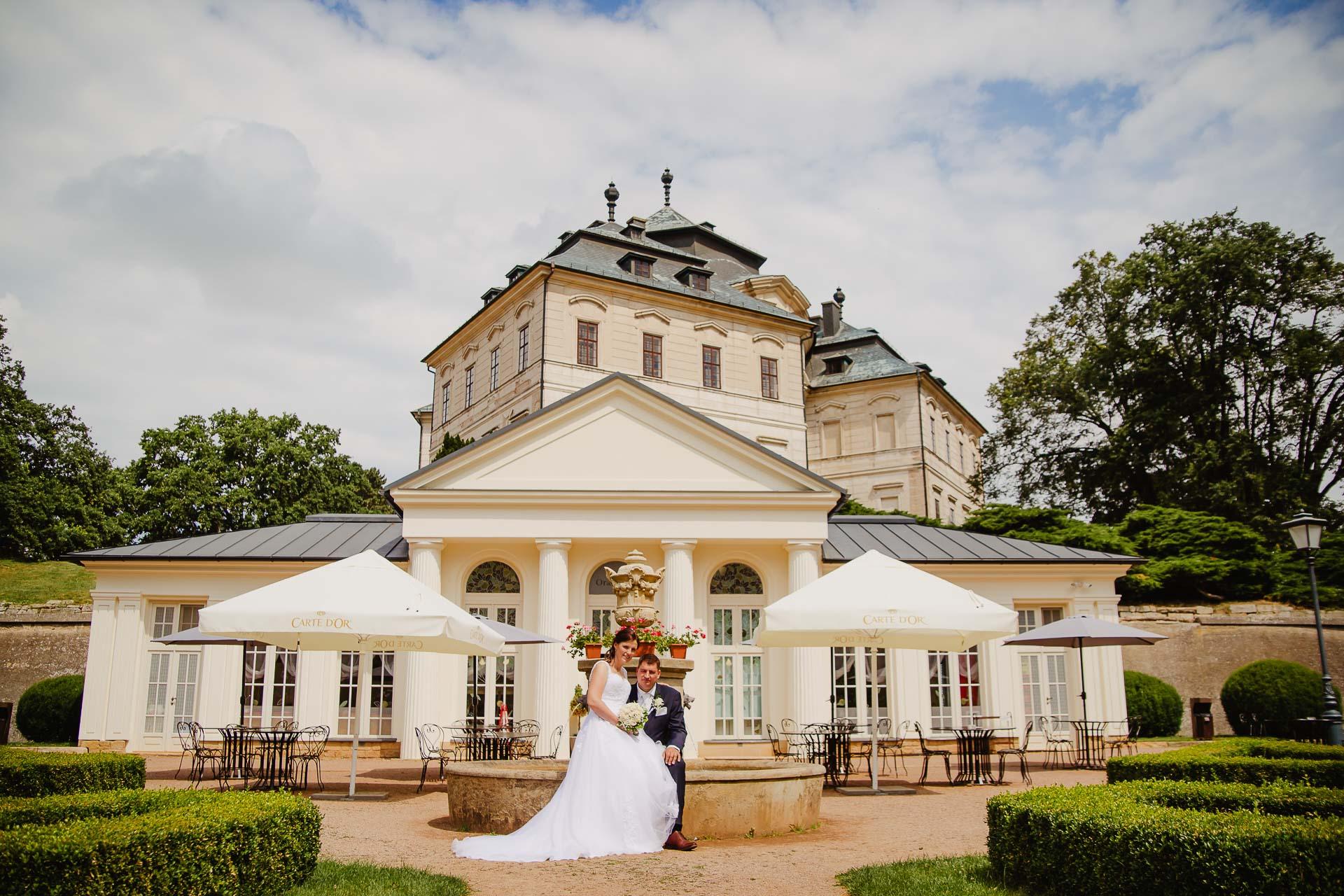Svatební-fotograf-zámek-Karlova-Koruna-Chlumec-nad-Cidlinou-158