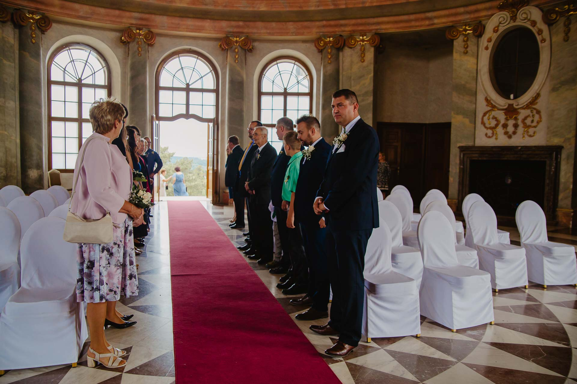 Svatební-fotograf-zámek-Karlova-Koruna-Chlumec-nad-Cidlinou-20