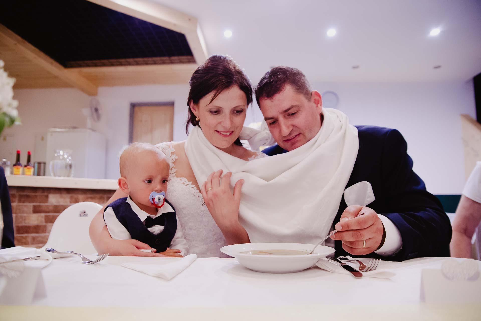 Svatební-fotograf-zámek-Karlova-Koruna-Chlumec-nad-Cidlinou-217
