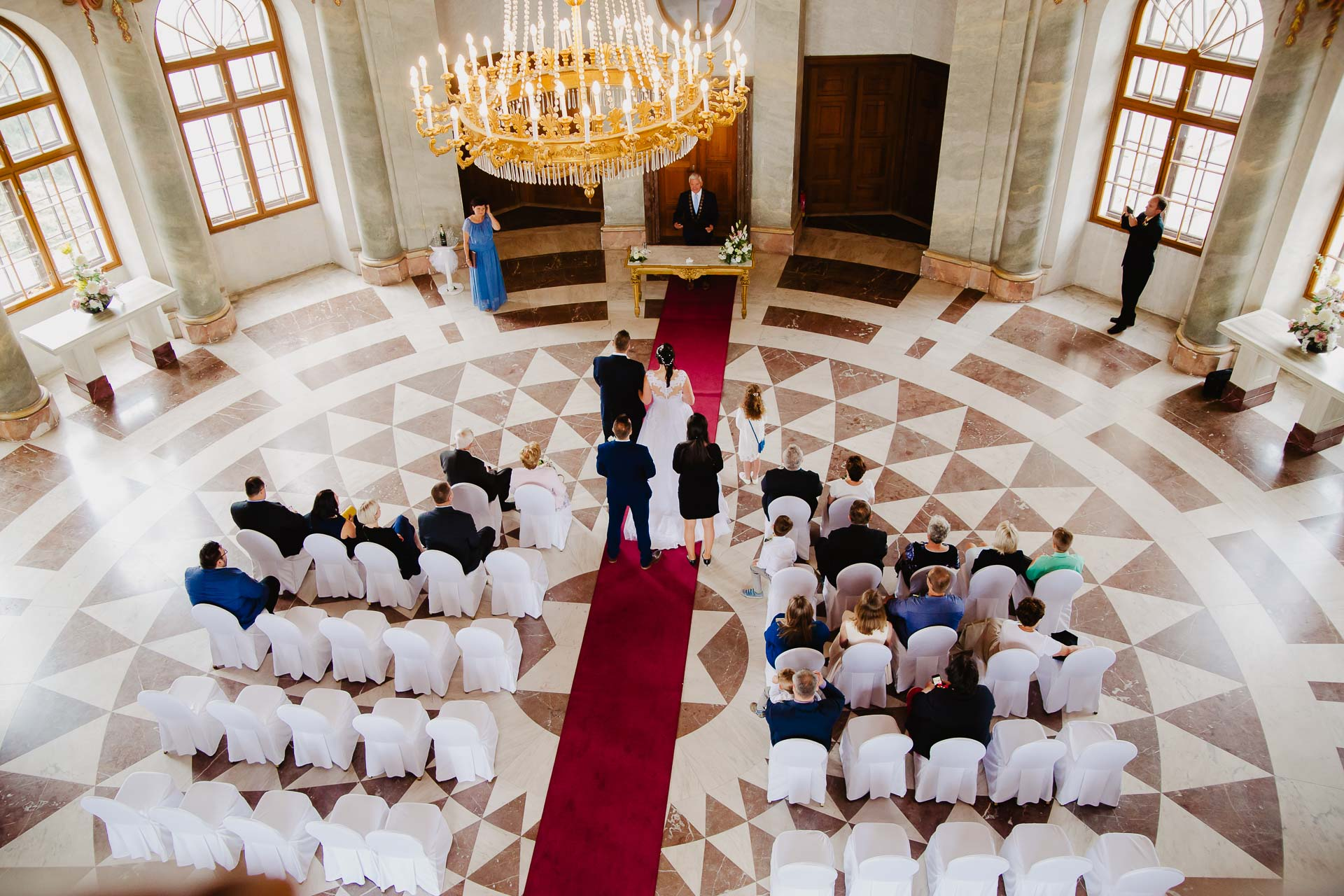 Svatební-fotograf-zámek-Karlova-Koruna-Chlumec-nad-Cidlinou-30
