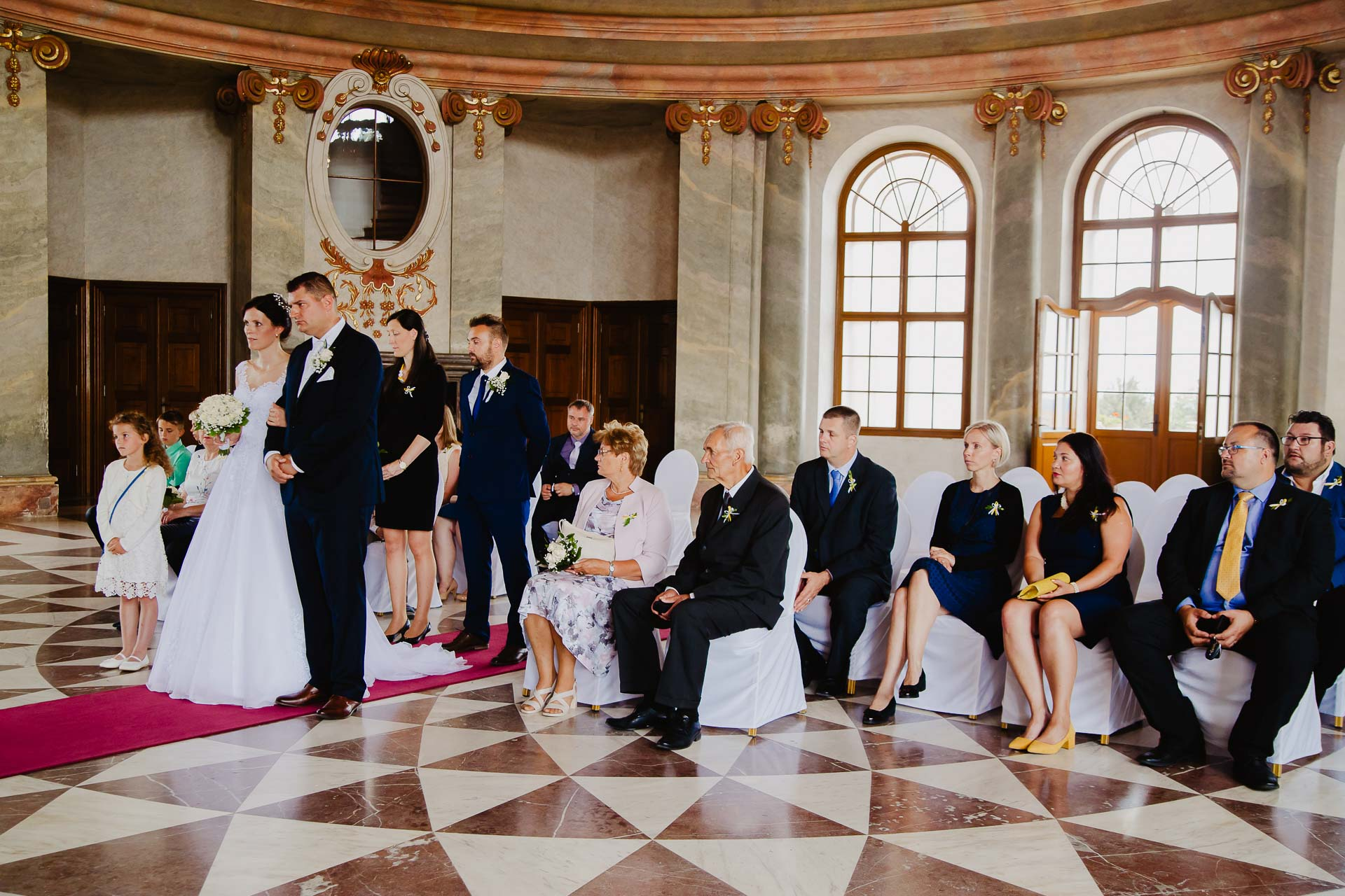 Svatební-fotograf-zámek-Karlova-Koruna-Chlumec-nad-Cidlinou-31
