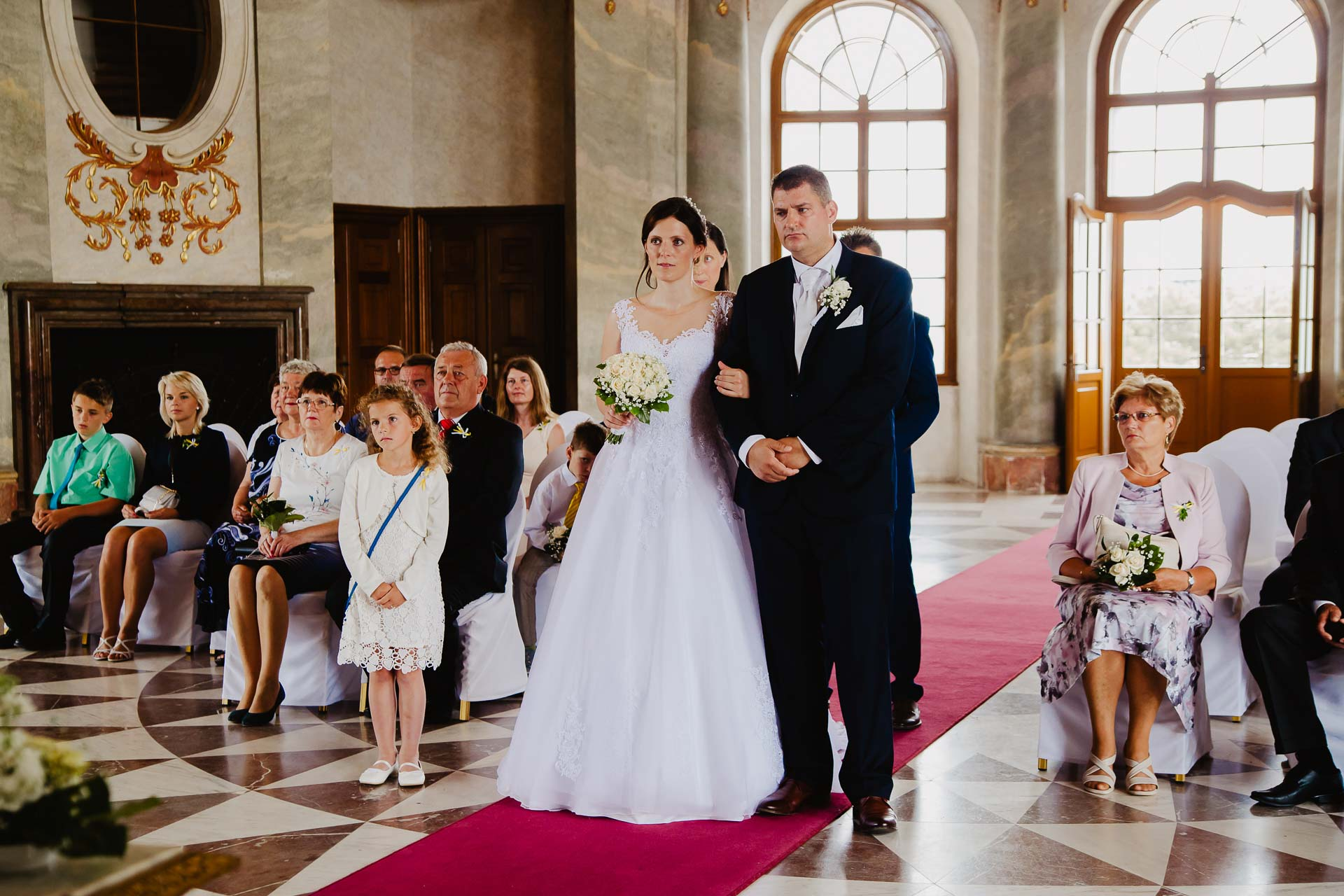 Svatební-fotograf-zámek-Karlova-Koruna-Chlumec-nad-Cidlinou-33
