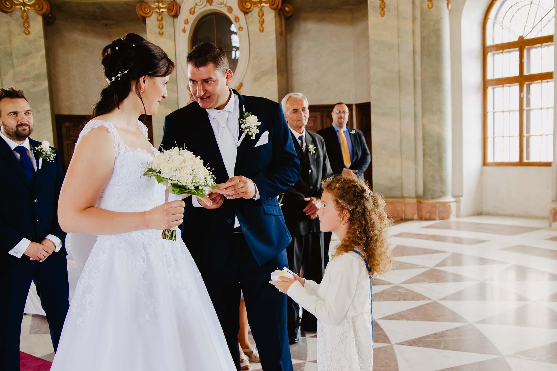 Svatební-fotograf-zámek-Karlova-Koruna-Chlumec-nad-Cidlinou-42