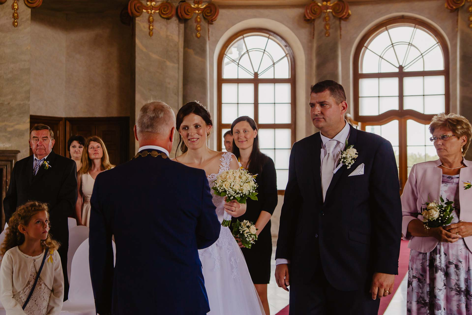 Svatební-fotograf-zámek-Karlova-Koruna-Chlumec-nad-Cidlinou-58